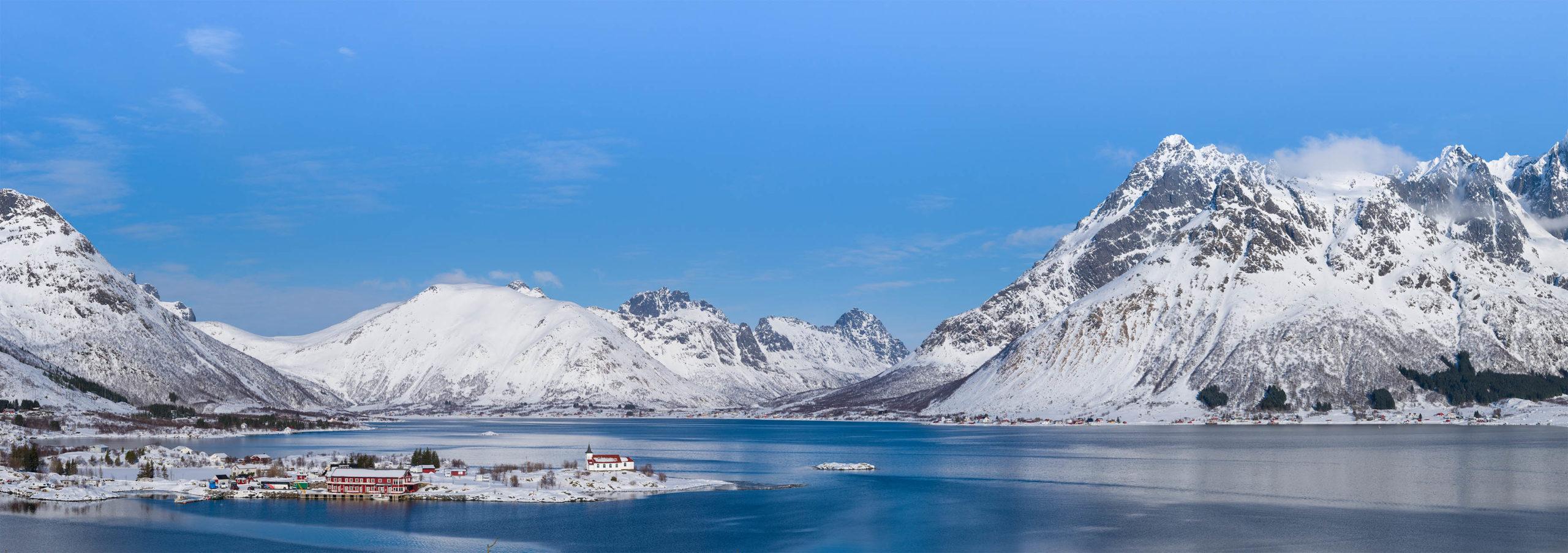 Een panorama opname van het magnifieke uitzicht op Sildpollen, Lofoten, Noorwegen