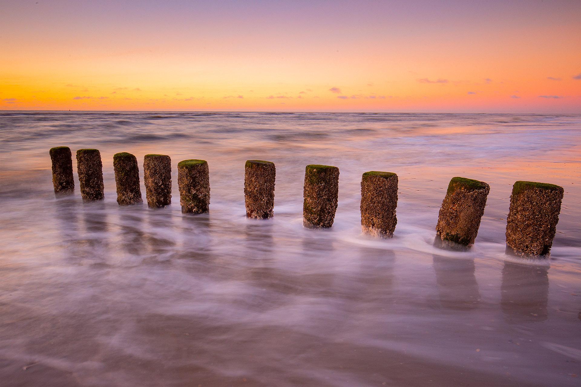 Waterkering op het strand van Ameland